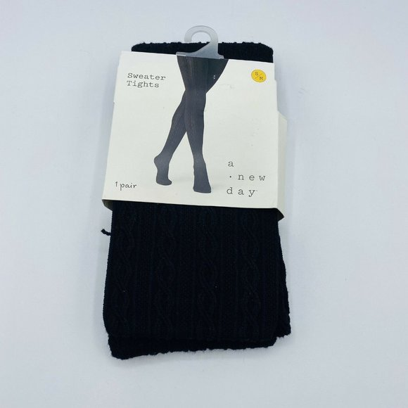 1 Pair Women's Footed Sweater Tights | S/M | Black